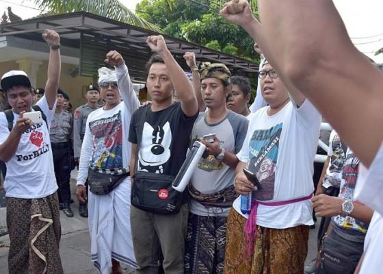 Nusabali.com - penangkapan-aktivis-forbali-diadukan-ke-kapolri