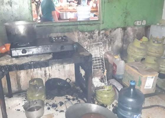 Nusabali.com - warung-terbakar-pemilik-nyaris-terpanggang