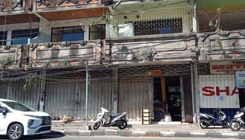 www.nusabali.com-pedagang-di-ruko-bertahan-satpol-pp-hanya-ngimbau