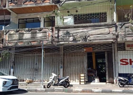 Nusabali.com - pedagang-di-ruko-bertahan-satpol-pp-hanya-ngimbau