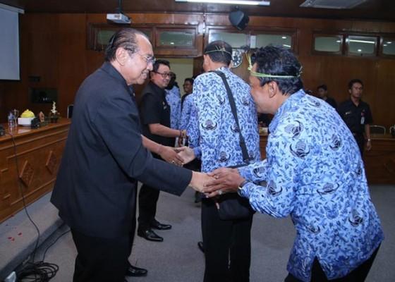 Nusabali.com - 55-pejabat-eselon-iii-dimutasi