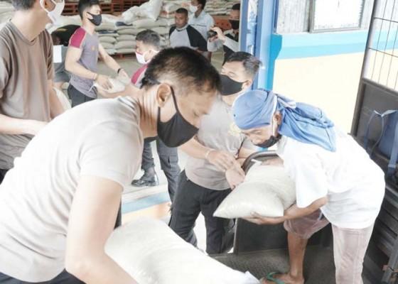 Nusabali.com - polres-bangli-gelontor-bantuan-20-ton-beras