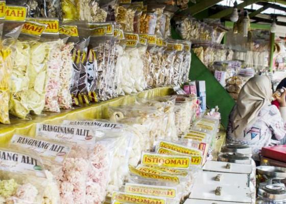 Nusabali.com - penjualan-oleh-oleh-sepi-pembeli