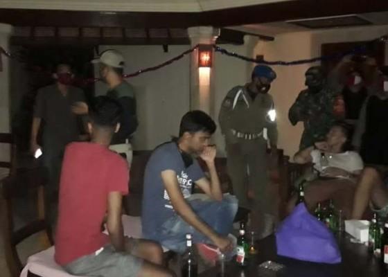 Nusabali.com - tim-gabungan-bubarkan-party-wna
