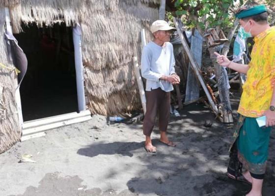 Nusabali.com - ombak-hancurkan-lahan-petani-garam