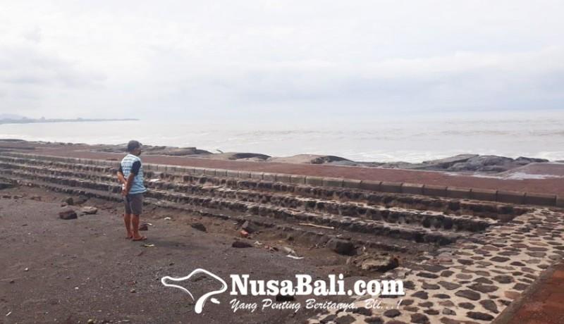 www.nusabali.com-air-pasang-genangi-parkiran-pantai-lebih