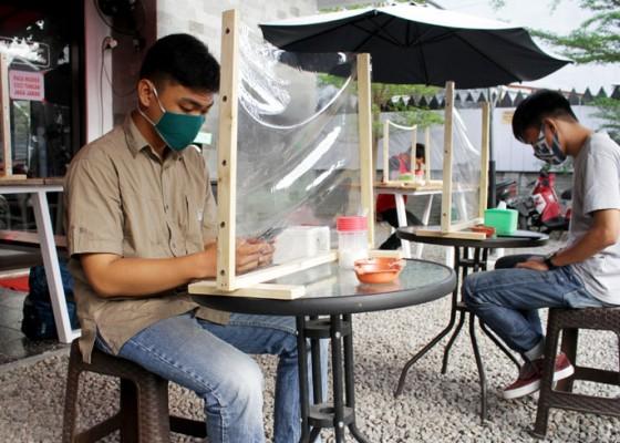 Nusabali.com - warung-kopi-terapkan-protokol-kesehatan