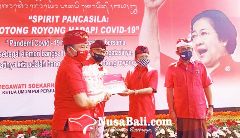 www.nusabali.com-pdip-bali-gelontor-30-ton-beras-ke-kabupatenkota