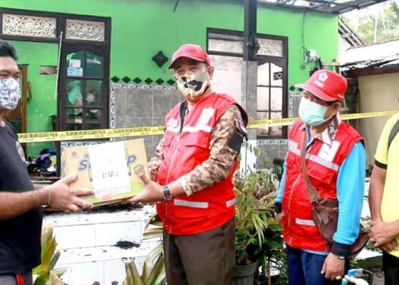 Nusabali.com - pemilik-rumah-terbakar-terima-bantuan
