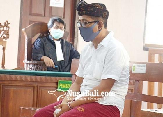 Nusabali.com - perbekel-pemecutan-kaja-dituntut-16-bulan