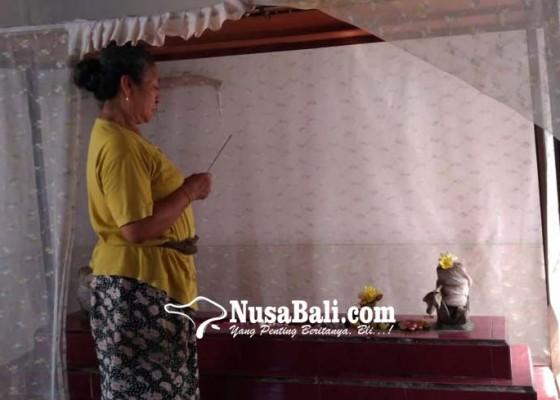 Nusabali.com - makam-dirawat-bersama-oleh-keluarga-hindu-dan-konghucu