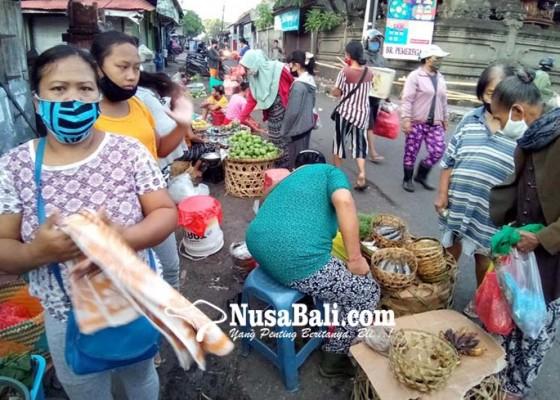 Nusabali.com - hasil-rapid-test-non-reaktif-akses-ke-pasar-pemeregan-dibuka-kembali
