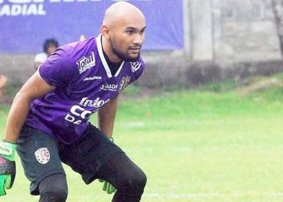 Nusabali.com - eks-kiper-bali-united-tinggalkan-sepakbola