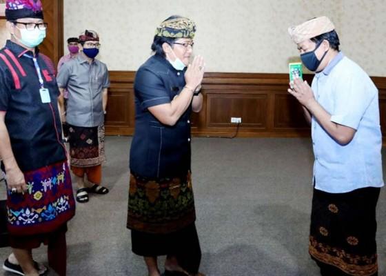 Nusabali.com - badung-cairkan-insentif-tenaga-kerja-pariwisata-terdampak-covid-19