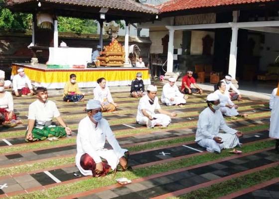 Nusabali.com - sembahyang-terbagi-tujuh-gelombang
