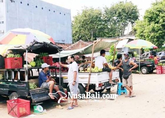 Nusabali.com - direlokasi-pedagang-bermobil-pasar-anyar-masih-bandel