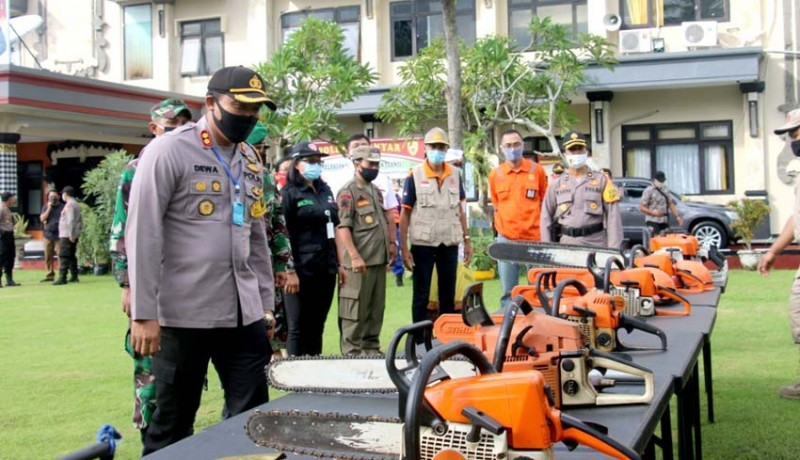 www.nusabali.com-polres-kodim-gianyar-cek-perlengkapan-alat-siaga-bencana