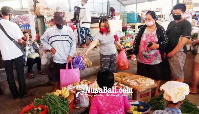 www.nusabali.com-awali-new-normal-pengunjung-pasar-terpantau-tertib