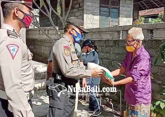 Nusabali.com - polsek-kubu-bantu-lansia-kurang-mampu