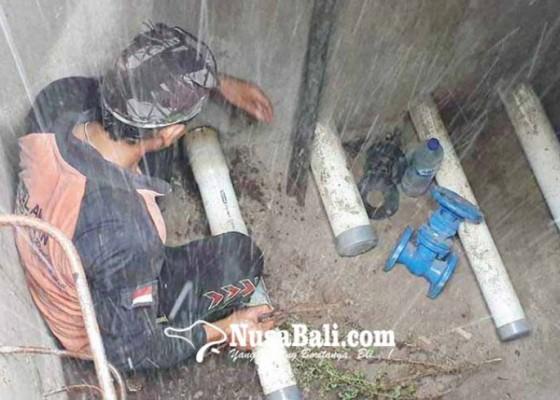 Nusabali.com - reservoir-mangkrak-warga-desa-sukadana-beli-air