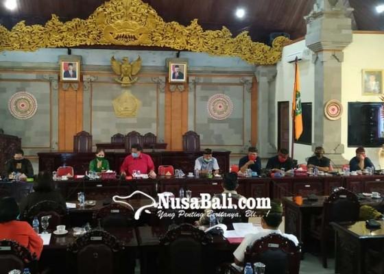 Nusabali.com - hibah-masyarakat-tak-cair-ketua-dprd-tabanan-gebrak-meja
