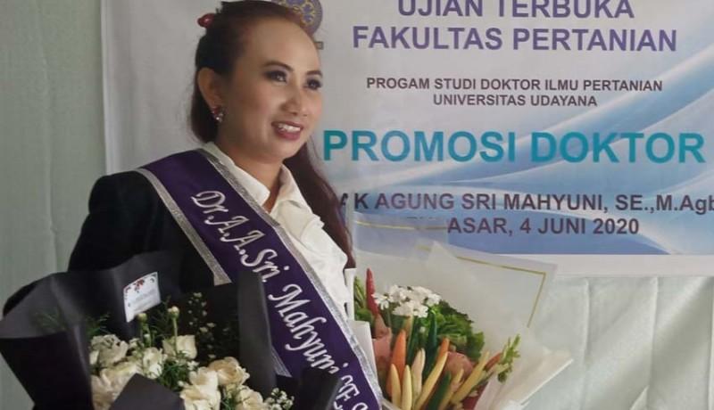 www.nusabali.com-pedagang-kantin-kantor-bupati-gianyar-raih-gelar-doktor-ilmu-pertanian
