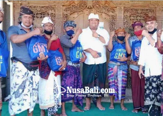 Nusabali.com - gmt-bagikan-sembako-di-6-banjar-dan-7-dadia
