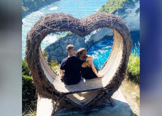Nusabali.com - liburan-di-nusa-penida-bagaikan-dunia-milik-berdua
