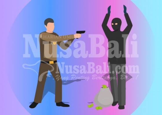 Nusabali.com - polisi-gerebek-rumah-bandar-narkoba