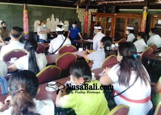 Nusabali.com - bupati-janjikan-perawat-pengabdi-jadi-pegawai-kontrak