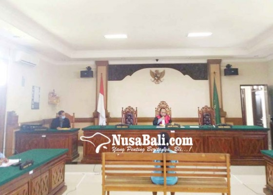 Nusabali.com - buang-sampah-sembarangan-dua-warga-sawan-disidang