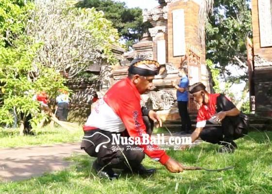 Nusabali.com - polres-klungkung-mareresik-di-pura-agung-kentel-gumi