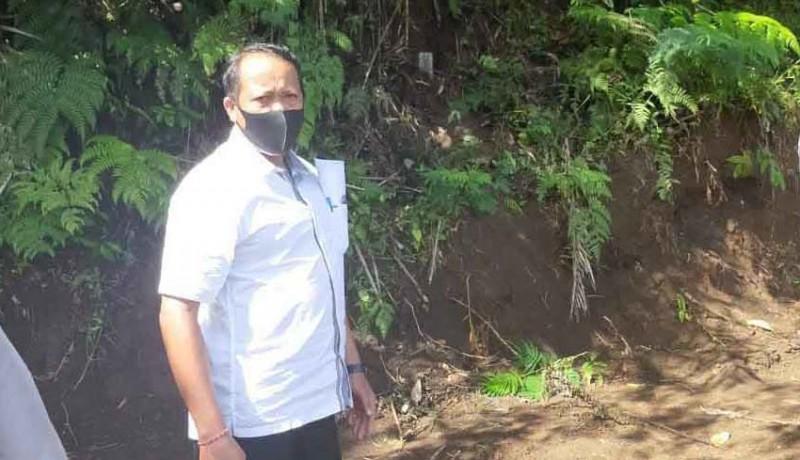 www.nusabali.com-tanah-dipatok-pamangku-pura-besakih-lapor-polisi