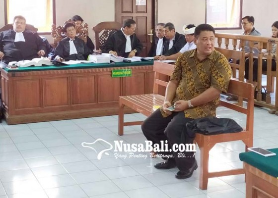 Nusabali.com - tipu-petani-rp-95m-oknum-notaris-dibui