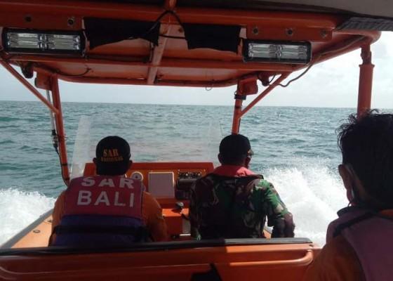 Nusabali.com - nelayan-jimbaran-hilang-digulung-ombak