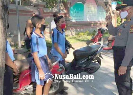 Nusabali.com - polsek-kubu-razia-siswa-smp-bermotor