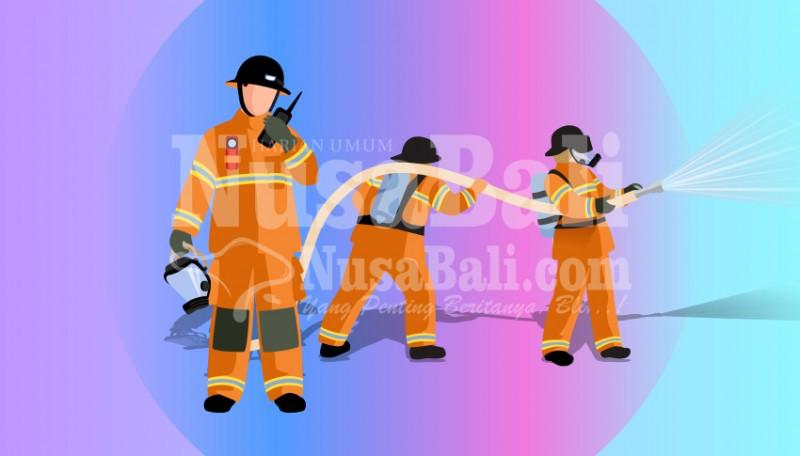 www.nusabali.com-minyak-tumpah-dapur-terbakar