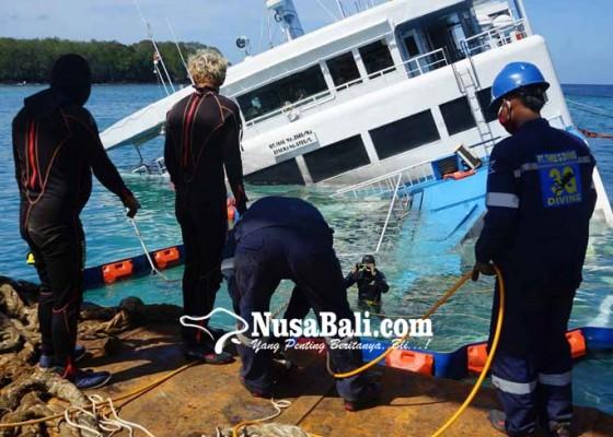 Nusabali.com - evakuasi-awal-kapal-kandas-libatkan-16-penyelam
