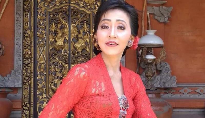 www.nusabali.com-cynthia-febriani-sundul-paman-ke-dprd-denpasar