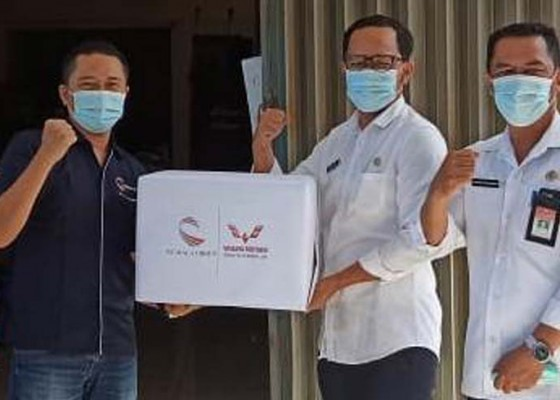 Nusabali.com - wuling-kumala-donasikan-masker