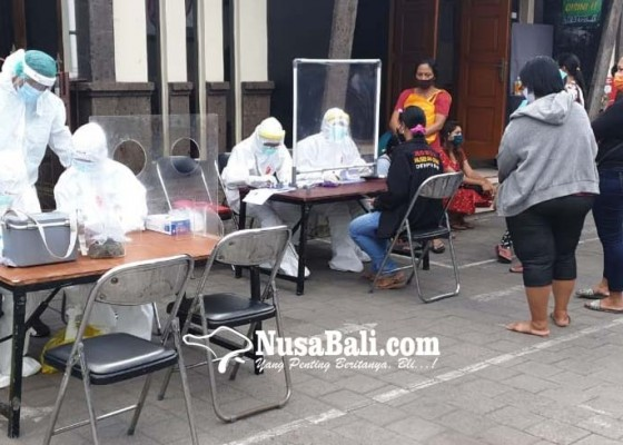 Nusabali.com - 229-pedagang-pasar-padangsambian-rapid-test-84-reaktif