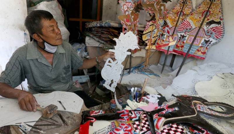 www.nusabali.com-produksi-wayang-karton
