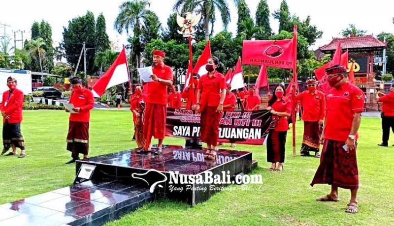 www.nusabali.com-geruduk-mapolres-minta-pelaku-pembakar-bendera-diadili
