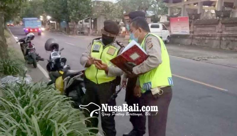 www.nusabali.com-nyeberang-jalan-pejalan-kaki-tewas-ditabrak-motor