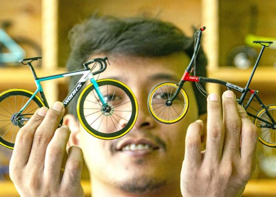 Nusabali.com - miniatur-sepeda-berbahan-sedotan