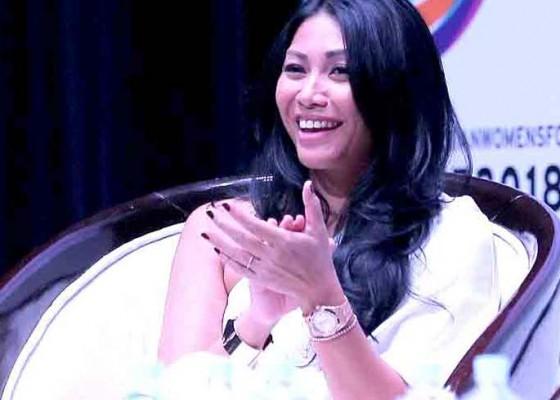 Nusabali.com - anggun-peringkat-100-artis-favorit-prancis