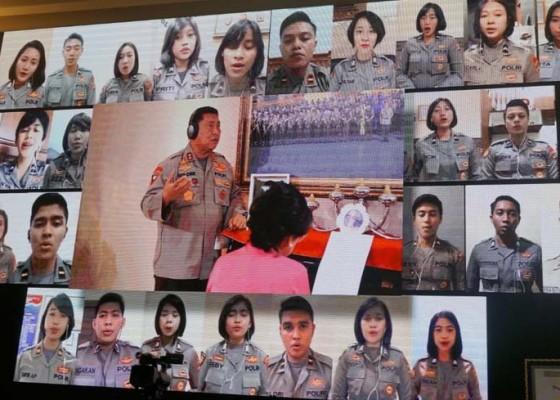 Nusabali.com - 1946-polisi-terlibat-dalam-paduan-suara-virtual