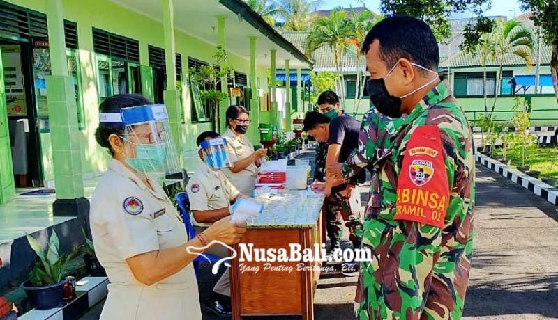 www.nusabali.com-perangi-narkoba-personel-kodim-klungkung-ditest-urine