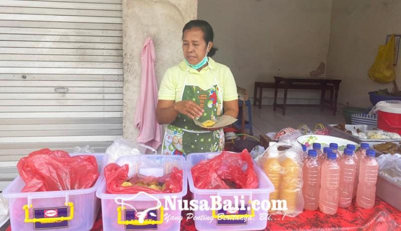 www.nusabali.com-mek-kembar-lestarikan-jajanan-tradisional-bali-sejak-2006