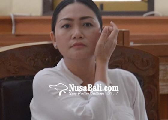 Nusabali.com - gara-gara-postingan-monyet-di-fb-irt-cantik-disidang